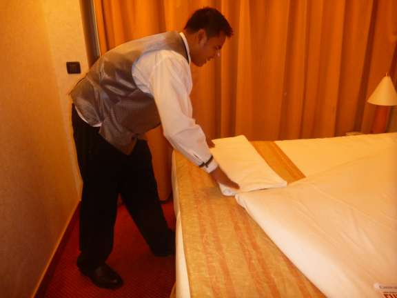 folding Carnival's easy towel seal