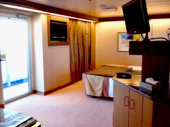 Mega Suite http://mycruisestories.com/2012/02/11/choosing-your-cruise-ship-cabin/