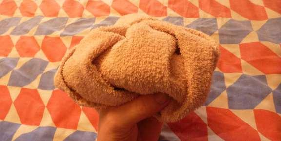 making a towel gorilla