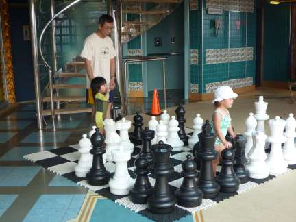 entertaining kids on a cruise ship