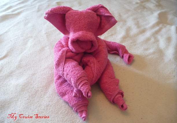 how to fold a towel pig