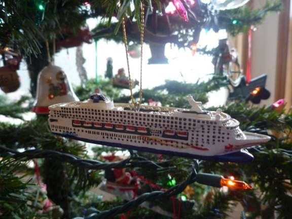 tiny model cruise ship