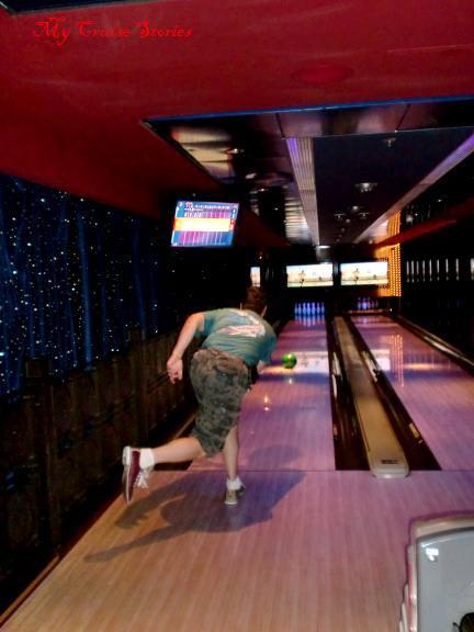 cruise ship bowling