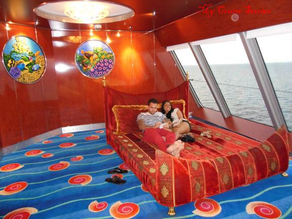 Norwegian Pearl has odd beds in random places