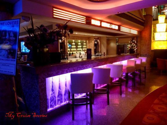 bars on Norwegian Pearl