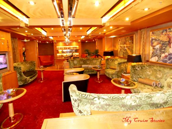 private lounge for suite guests