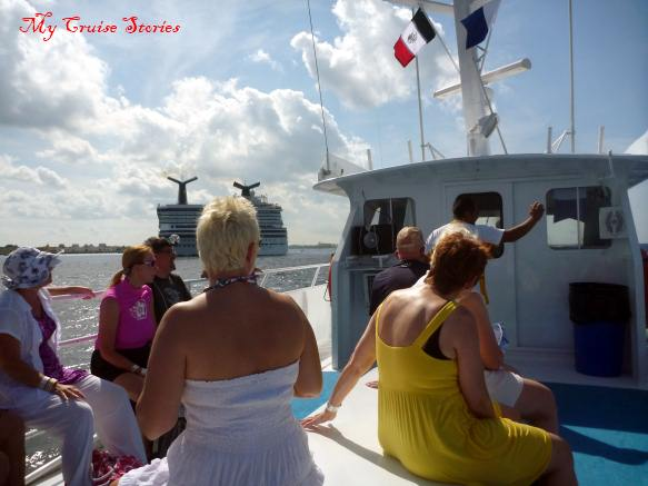 Palancar snorkel boat