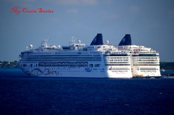 ships docked in Cozumel