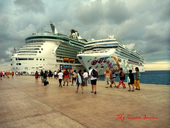 cruise ships docked in Cozumel