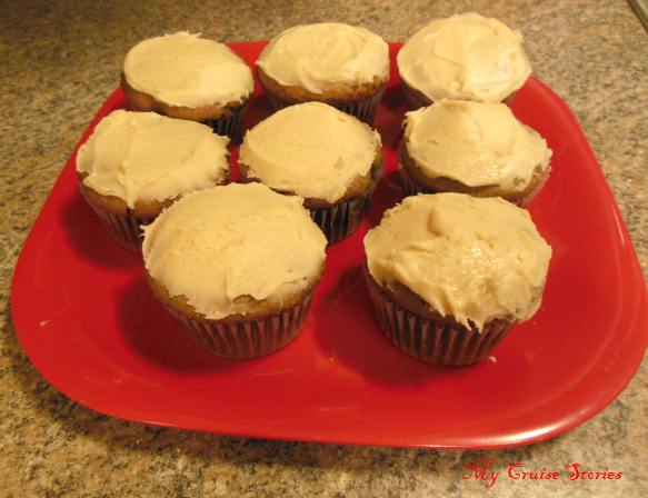 gluten free, sugar free, lactose free spice cupcakes