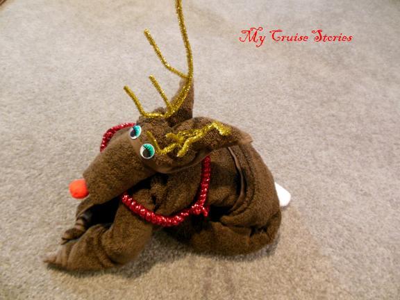 towel origami - reindeer