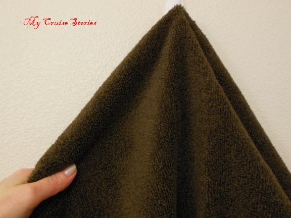 how to fold a towel turkey body