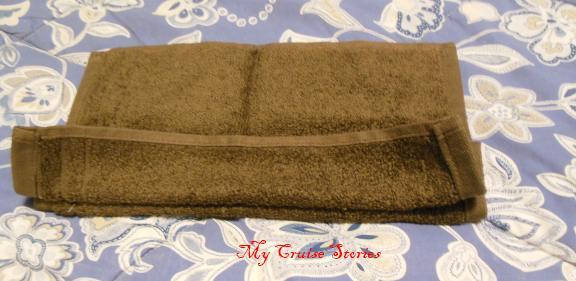 how to fold a towel turkey tail