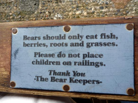 don't feed your kids to the bears