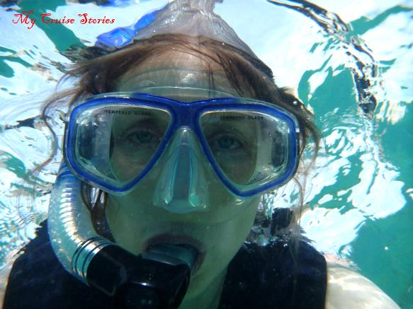 how to keep your snorkel mask clear underwater