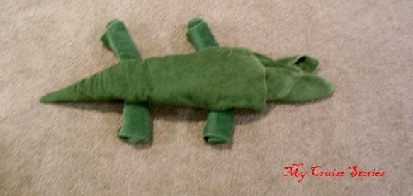 how to fold a towel crocodile