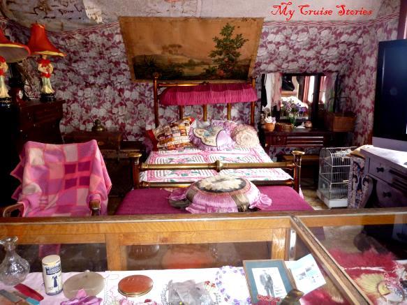 Dolly's boudoir