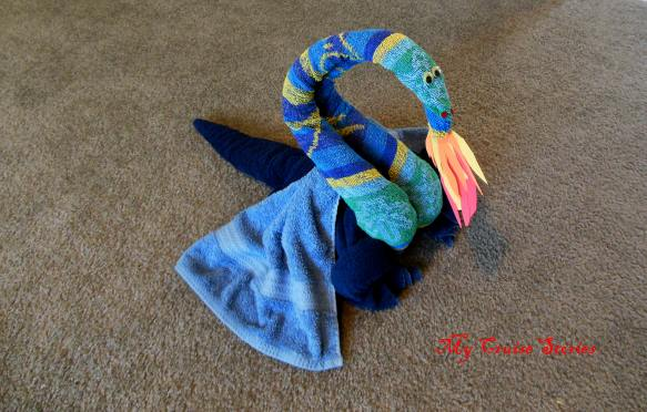 how to fold a towel dragon