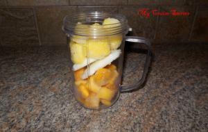 making frozen fruit smoothies