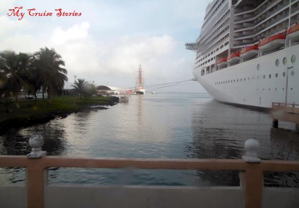 cruise ship in Panama