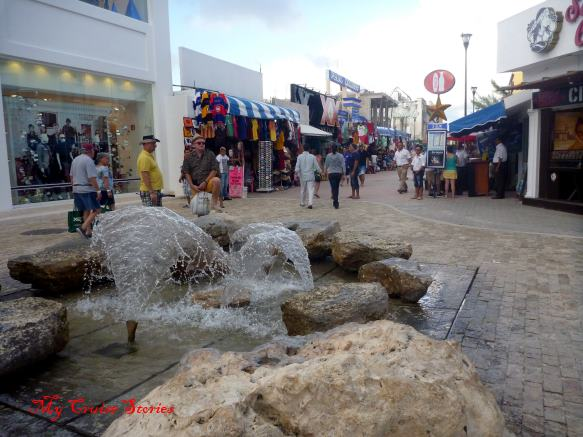 tourist shops in Playa del Carmen