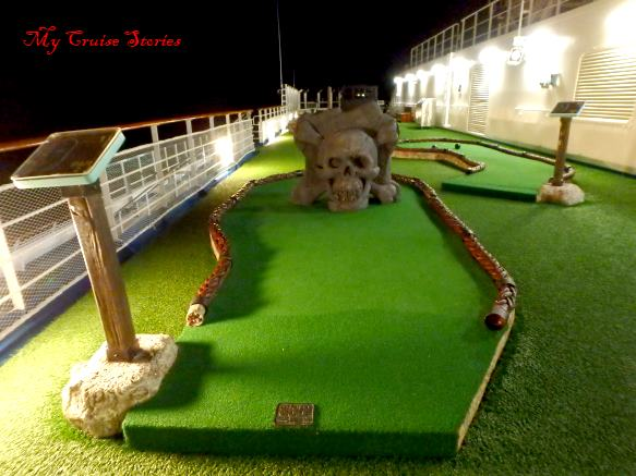 Carnival Splendor putt putt golf