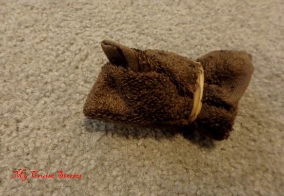 how to fold a washcloth into a mouse