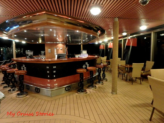 unique cruise ship bar