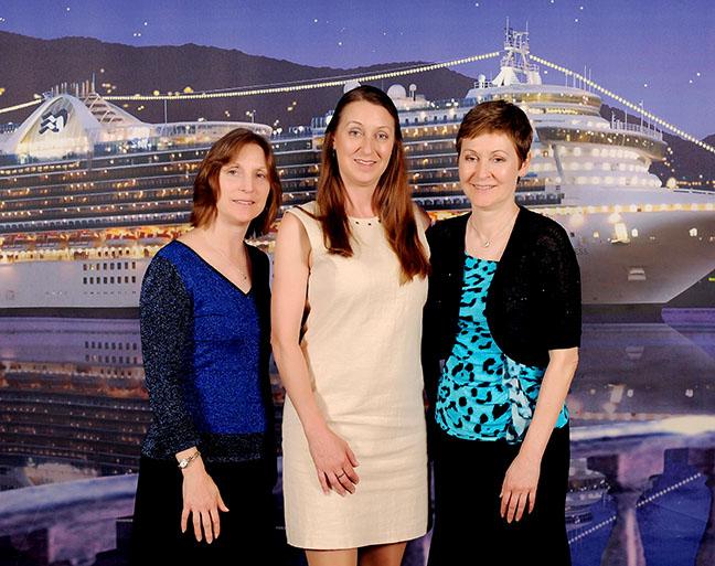 ship's photo - formal night