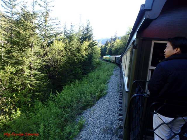 Skagway train heads toward White Pass