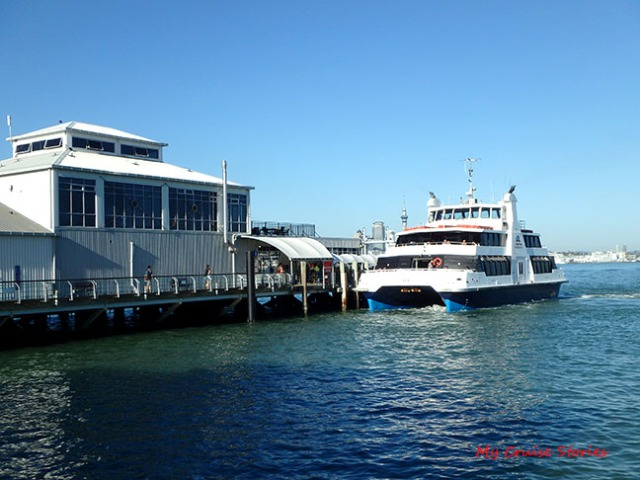 ferry from Devonport to Auckland
