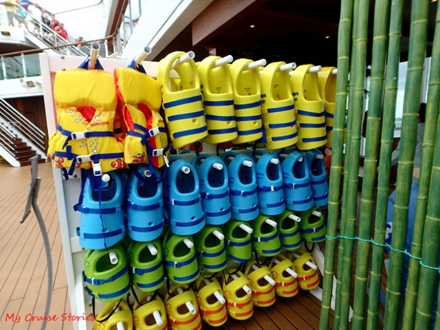 life jackets for young cruisers