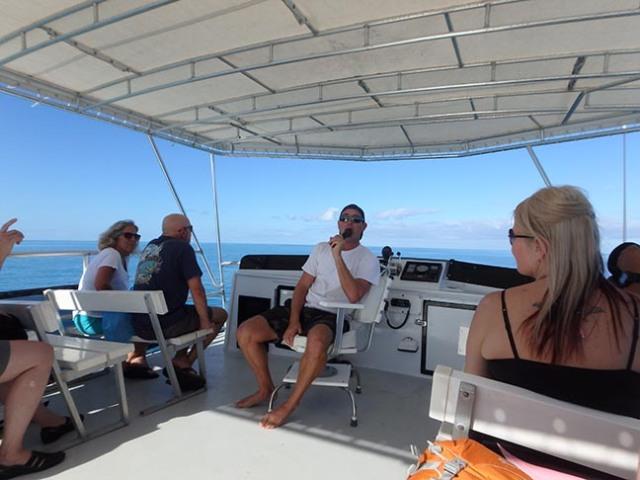 Bermuda snorkel boat