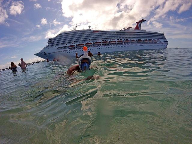 snorkeling Grand Turk