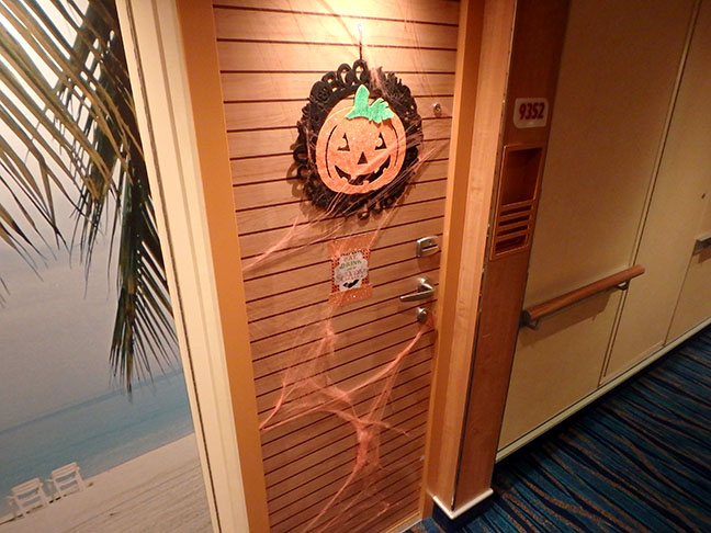cruise ship door decorations