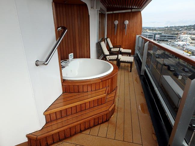Oosterdam pinnacle suite balcony