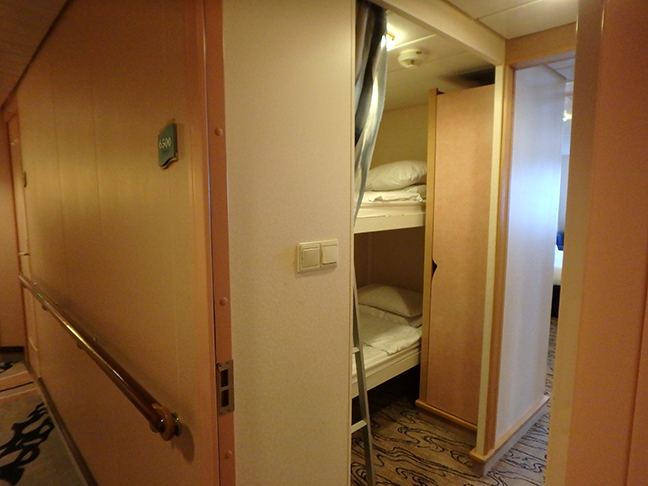 bunk room in cruise ship cabin