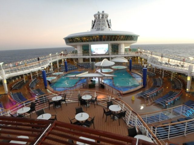 cruise ship pools
