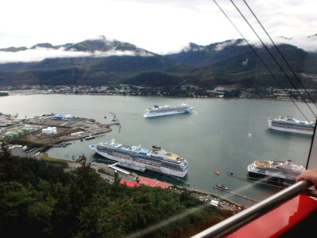 cruise ships in Juneau
