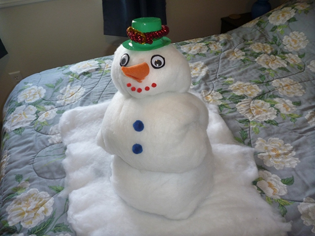 how to fold a towel snowman