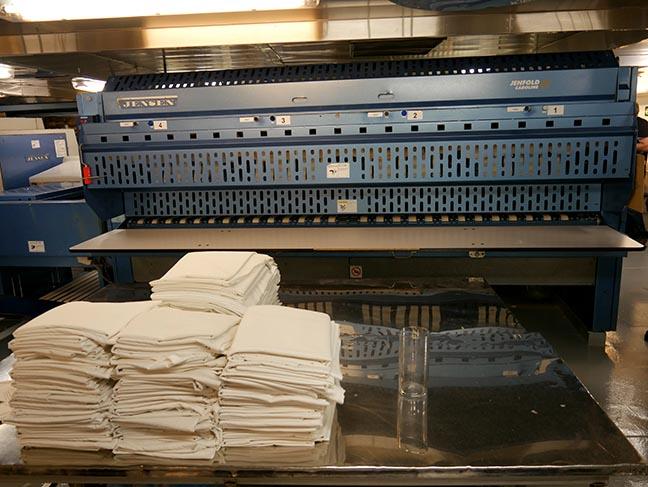 towel folder