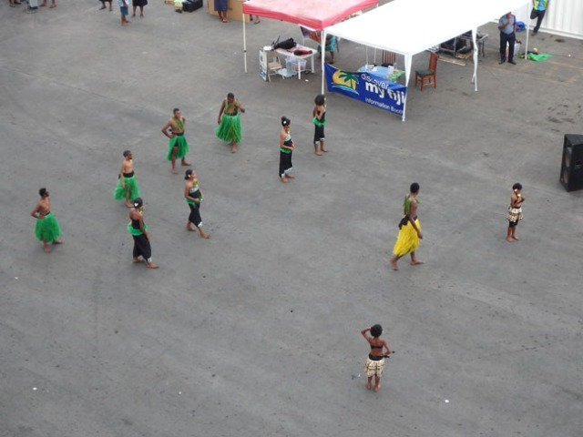 dancers in Fiji