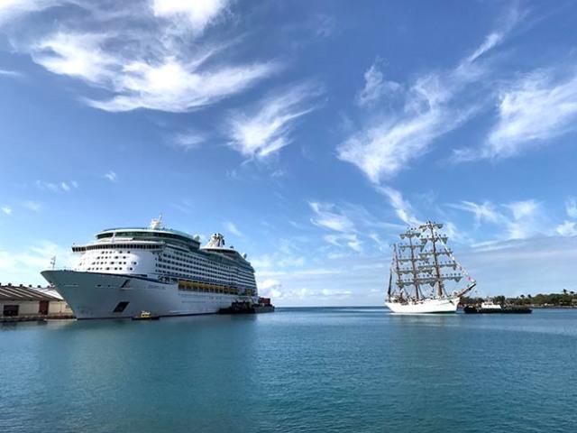 ships in Honolulu