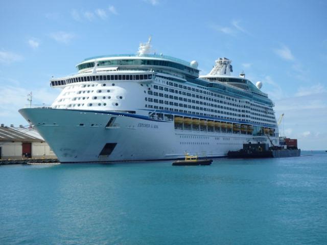 cruise ship in Honolulu