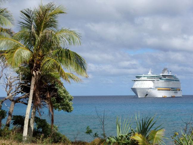 cruise ship in Mare