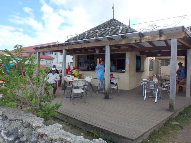 Maré beach bar