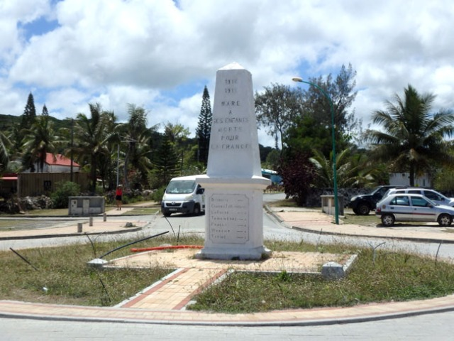 monument on Maré