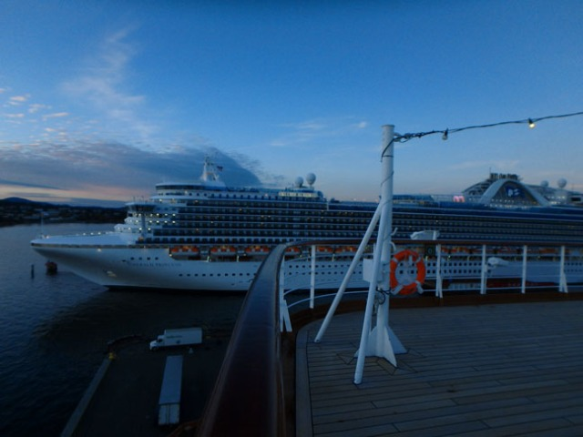 Victoria cruise ship port