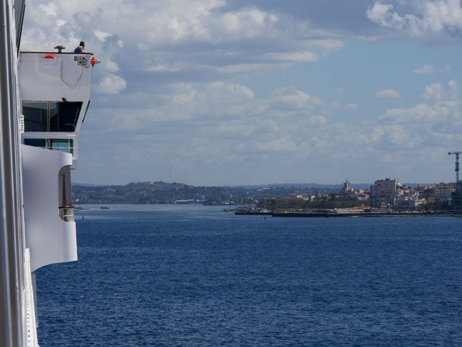 Veendam sailing into Havana