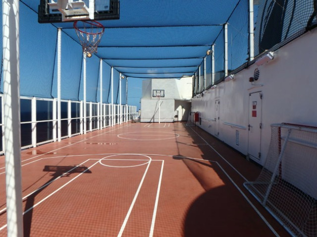 Veendam basketball court